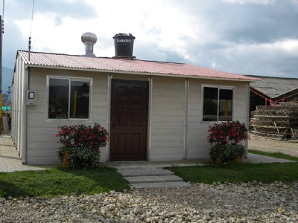 Casas hechas con cáscaras de café