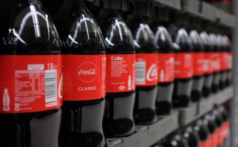 Coca-Cola diseña una nueva botella hecha de papel