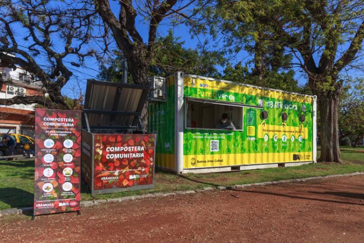 Instalan composteras para residuos orgánicos en todas las comunas porteñas